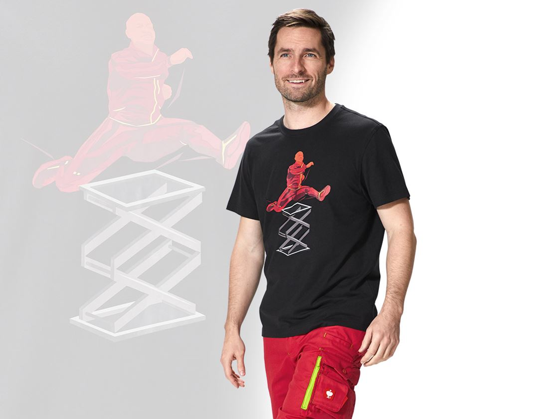 Bovenkleding: e.s. T-Shirt Team 2020 + zwart/vuurrood